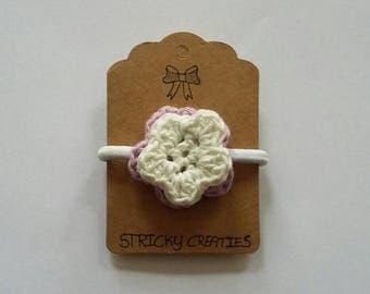 Hair elastic with crochet double flower (purple/white)