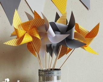 Set of 10 pinwheels wind yellow grey and white 15cm