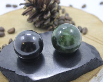 Balls harmonizers 3 cm (1.13 inches) shungit+ jade on the stand from shungite stone