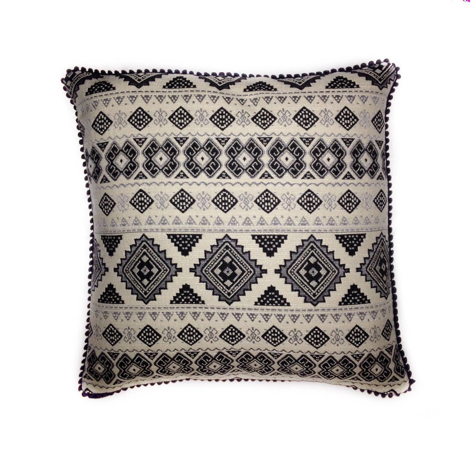 housse de coussin azt que boh me ethnique motifs noir et blanc. Black Bedroom Furniture Sets. Home Design Ideas