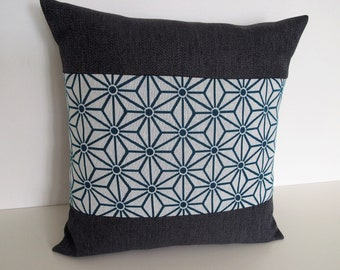 Square cushion blue blossoms