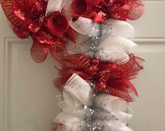 Candy Cane Bow Wreath