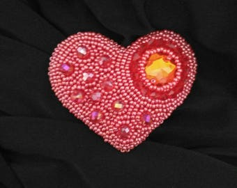 Heart brooch, seed bead brooch, embroidery brooch, Beaded brooch, red brooch, Handmade brooch, handmade beadwork, bead jewelry