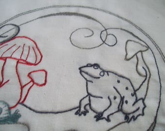 Toad Hand Embroidery Pattern, PDF Toad Embroidery Download, Snail Trail