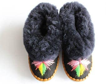 SHEEPSKIN slippers Fur winter boots Warm moccasins Gift for women Warm slippers Leather slippersFur boots Shearling slippers Christmas gift