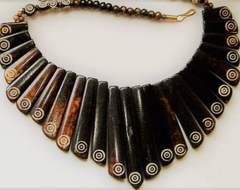 1980S CHUNKY  STATEMENT NECKLACE