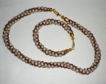 Bracelet and Necklace white and honey beads. Handmade. Jewelry for women.