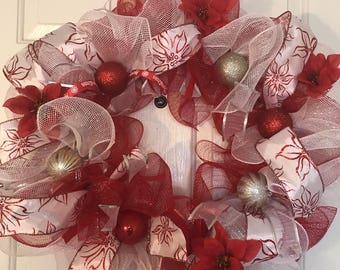 Beautiful Ponsettia Christmas Wreath