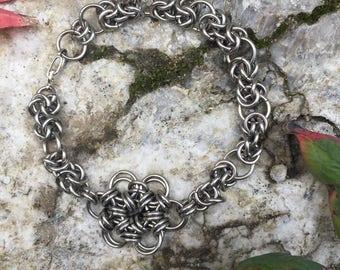 Daisy/ Byzantine Chainmaille Bracelet
