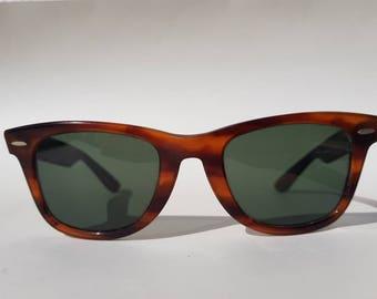 Ray Ban Vintage B&L Ray-Ban Wayfarer sunglasses 5022 USA tortoise