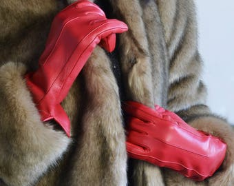 Red Lambskin Gloves for Woman, Fine Lining