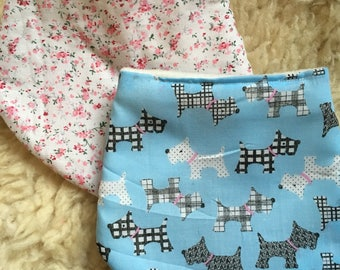 Multipack Daylong FinPin Baby bibs - scottie dog and pink floral