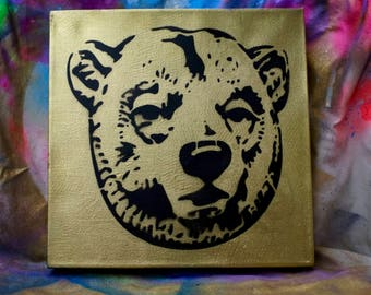 Black and gold grizzly Bear on canvas   spray paint   Urban art   Graffiti style