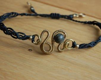 Wire and macramé bracelet with black labradorite