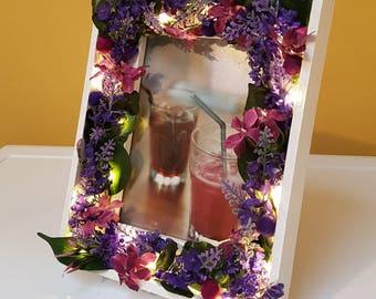 Valentine gift / home decor -- handmade white light up floral LED frame -- boho -- romantic -- Rustic -- botanical -- bedroom, nursery