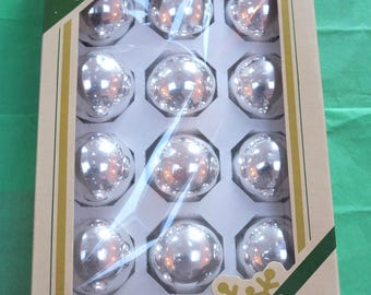Set of 17 Vintage Silver Mercury Glass Christmas Baubles in Original Box