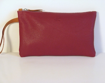 Burgundy leather for women with wrist strap clutch
