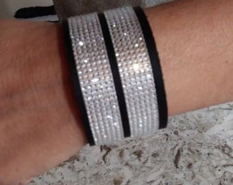 Leather cuff with striped bling