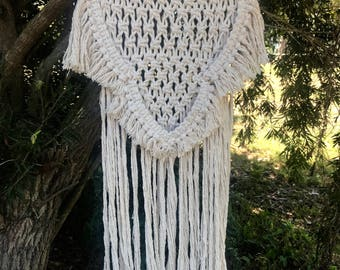 Macrame Wall Hanging/ FEATHERS/  Macrame Art/ Home Decor/ Macrame Deco/ Boho