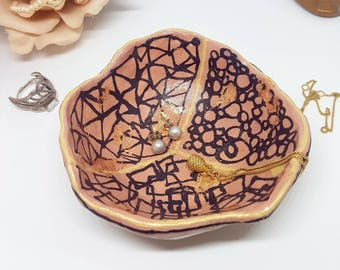 Ceramic jewellry bowl, coppery details, unique design, special gift, pinch pot.