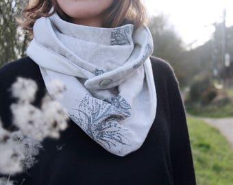 Handmade fleece scarf * feather *.