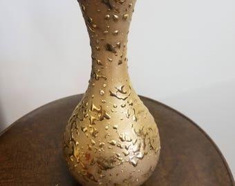 22kt gold vase
