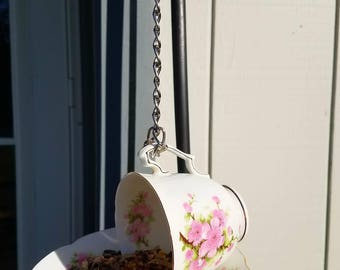 Fine Bone China bird feeder