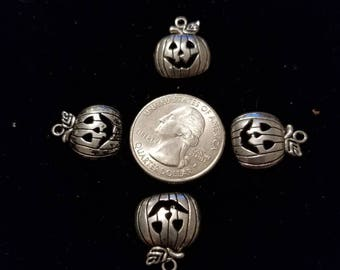 Cute Silver Alloy Halloween Pumpkins 8 Pieces for charms/earrings/necklaces/ hairbow/scrapbooking /crafts, etc.