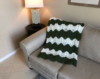 Forest Green & White Ripple Pattern Afghan