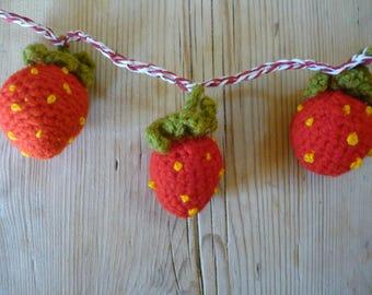3 dimensional strawberry bunting crochet