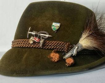 Tyrolean, Bavarian, Alpine, Souvinere, Oktoberfest, German Velour Hunting Hat With Vintage Pins