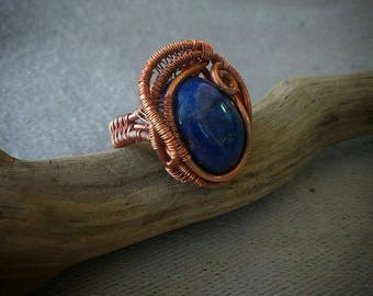 Wire wrap copper ring with lapis lazuli