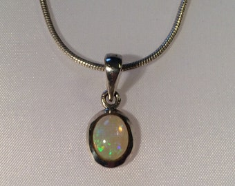 Pendant in silver 925/-with Opal