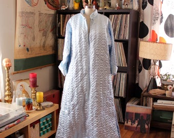 volup vintage blue quilted satin robe by Odette Barsa, light blue maxi robe dressing gown with zip front, wide sweep . Asian inspired collar