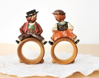 Vintage Anri Hand Carved Napkin Rings Man and Woman Vintage Wood Folk Art Napkin Rings,Vintage Anri Folk Art Napkin Rings,Carved Wood, Italy