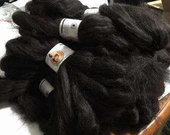 4oz Black Icelandic Top- January's Featured Breed roving wool