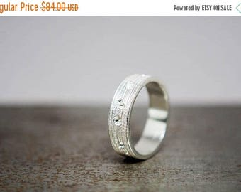 ON SALE Size 8 Womens Textured Silver Ring Band, Ready to Ship