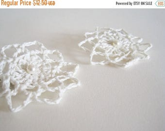 First Fall Sale - 15% Off Delicate Lace Mini Fascinators / Hairclips - Linen and Pearl - Bleached White - Wedding, Festival, or Everyday Wea