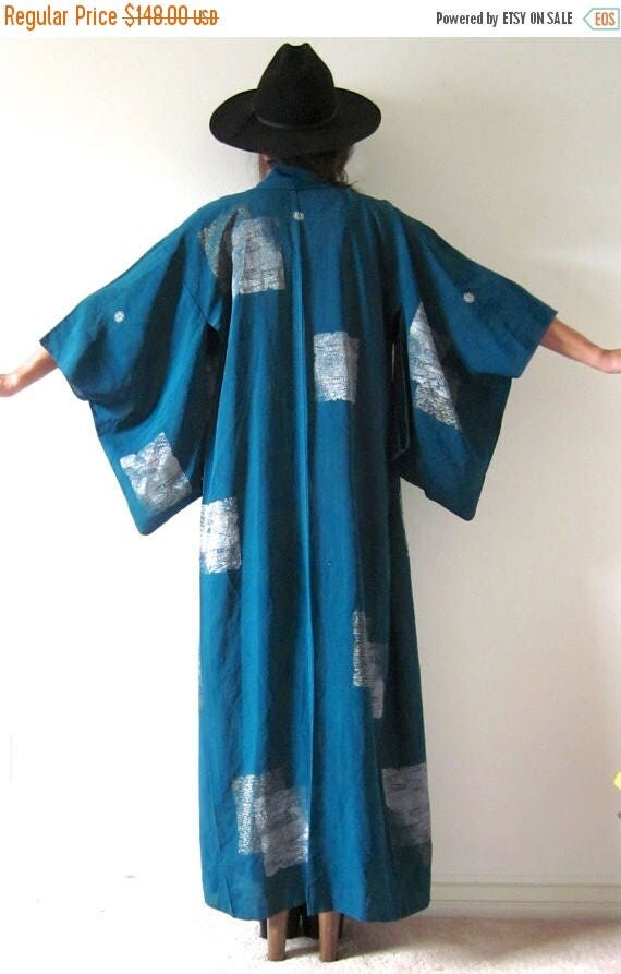 SUMMER SALE / 20% off Vintage 30s 40s Teal Kimono