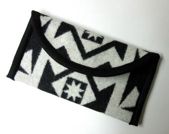 Wallet Clutch Bag Native American Print Wool from Pendleton Woolen Mills Magnetic Snap Closure