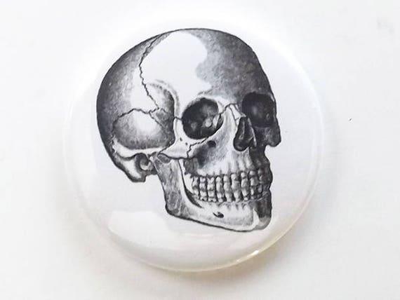 Button Pin Skull human body anatomy skeleton medical gift halloween student teacher professor geek goth black white