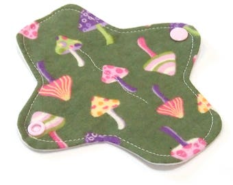 "6"" Reusable Cloth winged ULTRATHIN Pantyliner - Mushrooms -Cotton flannel top"