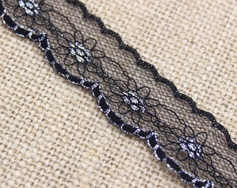 1 Yard of Vintage Floral Lace in Black and Silver 0.75 Inches Wide