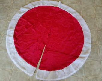 """Classic Christmas Tree Skirt, Round Red and White Plush Santa-style, 48"""", Vintage"""