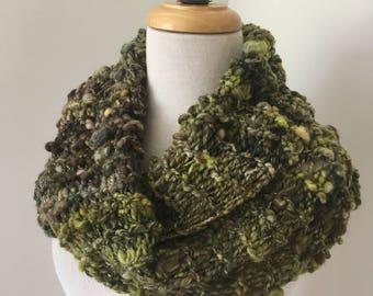 scarf, Mobius cowl, wool cowl,  Hand Spun scarf,  Hand Knit Scarf, green cowl, merino scarf, sale