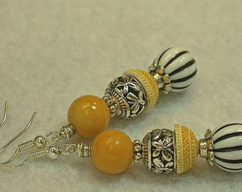 Vintage RARE Yellow Chalcedony Bead Earrings,Vintage German Yellow Lucite Bead Cap,Bali Style Silver,Vintage German Black White Lucite Bead