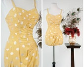 1950s Vintage Swimsuit - Summer 2018 Lookbook - Seriously Curvy Rose Marie Reid Sunshine Yellow Polka Dot Pin Up 50s Bathing Suit Full Cup