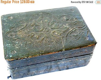 christmasinjuly worn embossed  italian leather box, wood lined