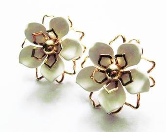 Vintage Emmons Enamel Flower Earrings