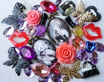 Marilyn Monroe theme cabochons pendants mix (38 pcs)